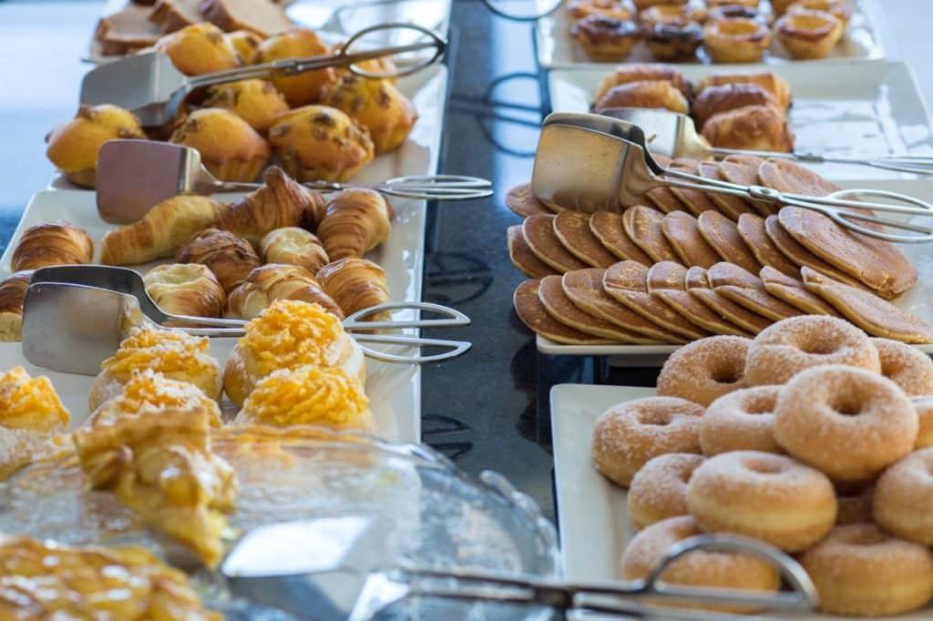 Café da manhã no Meliá Ria, em Aveiro. Foto de booking.com