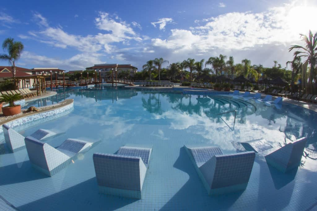 Piscina no Grand Palladium Imbassaí All Inclusive - Clique na foto para saber mais