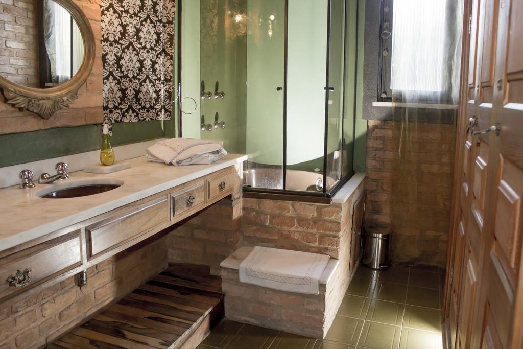 Onde ficar em Petropolis - Pousada Don Quixote banheiro
