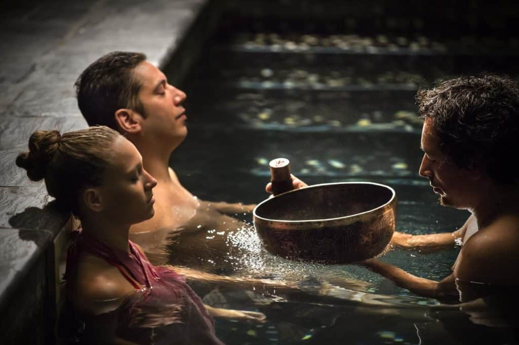 Pessoas relaxando no spa e hammam do Entre Cielos. Foto: booking.com