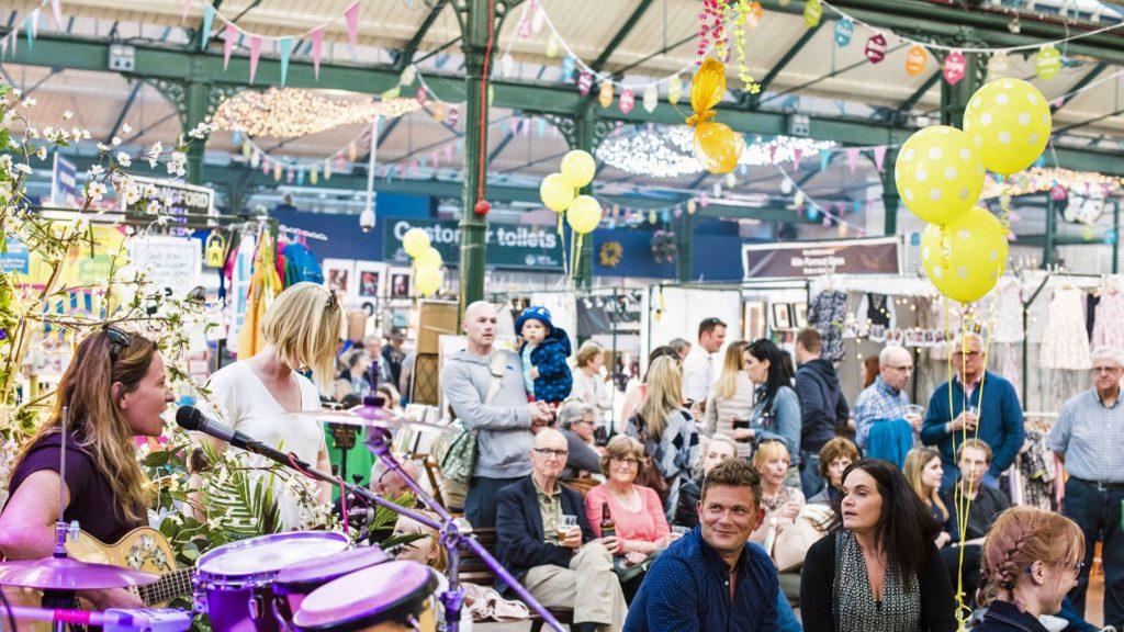 O que fazer em Belfast - O St George's Market - Foto: VisitBelfast