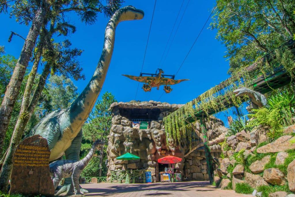 Voo do Pterodáctilo - uma das atrações do Parque daTerra Mágica Florybal - Foto: Site Oficial