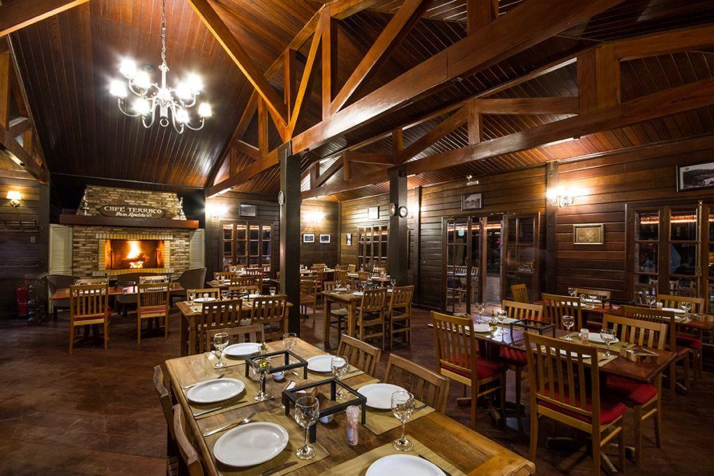 O charmoso Café Terraço em Campos