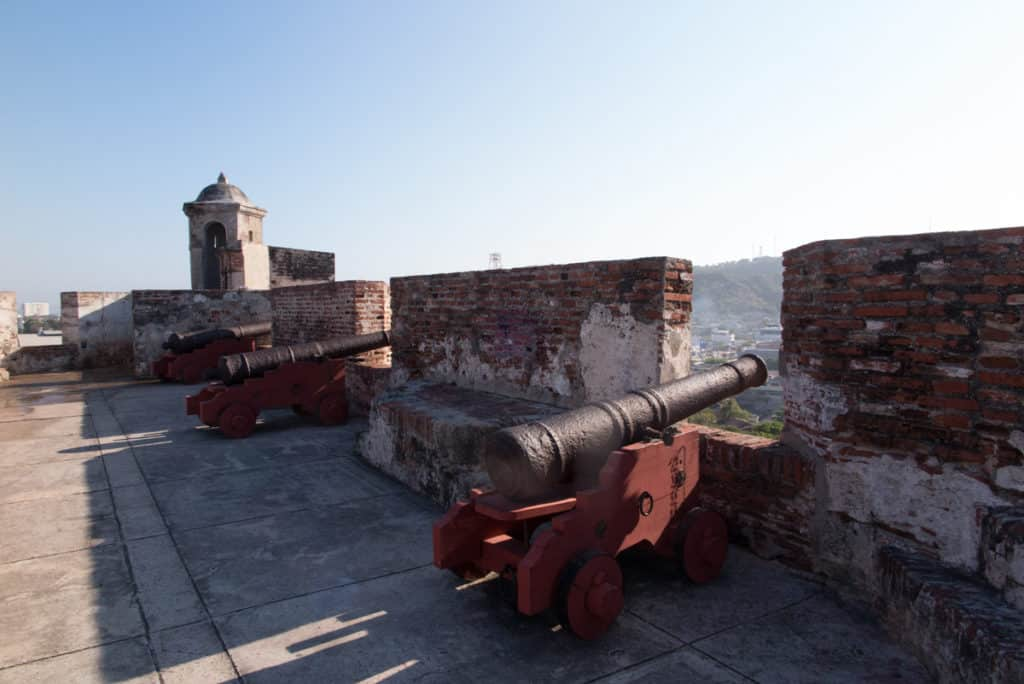 A vista do Castelo de San Felipe de Barajas é linda, vale a pena a visita