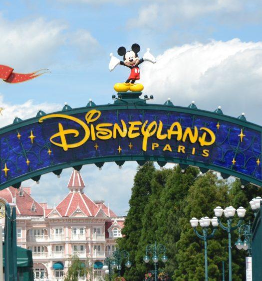 Entrada principal da Disneyland Paris na França