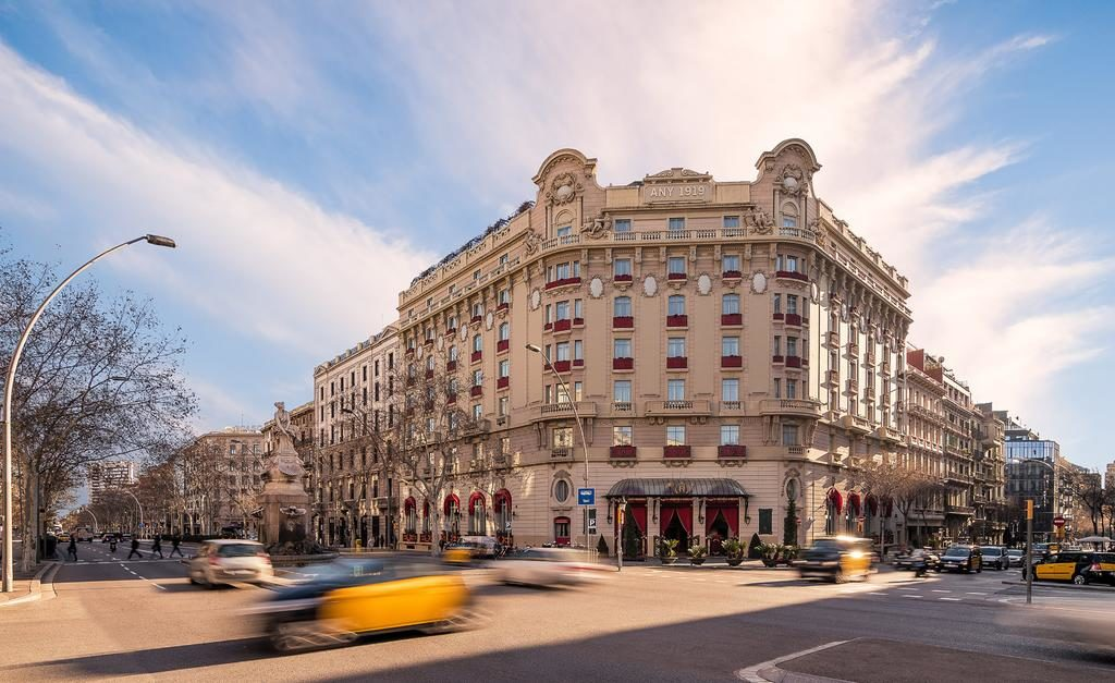 Faixada do hotel el palace barcelona, onde ficar em barcelona