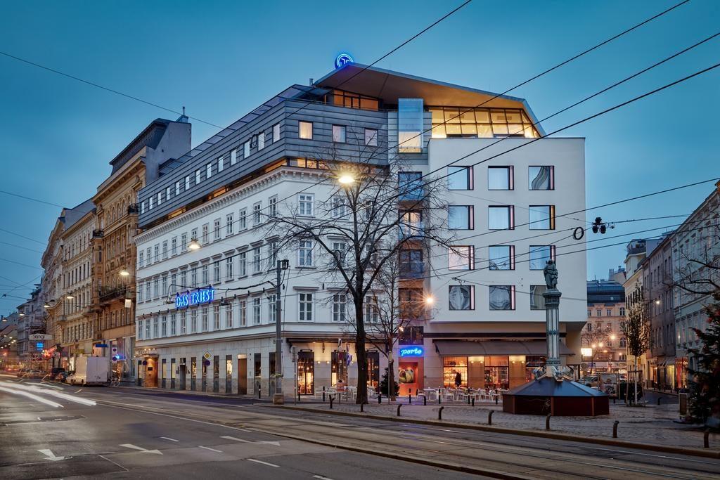 Fachada do Das Triest Hotel, uma boa hospedagem onde ficar em Viena.