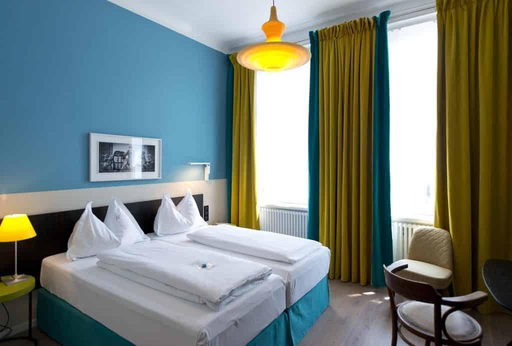 Foto de quarto duplo no Hotel Beethoven Wien, em rua menos barulhenta onde ficar em Viena.