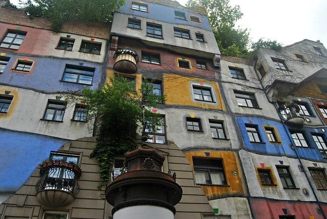 As casas coloridas, Hundertwasser Haus, em Viena - Foto: Loco Steve via Flickr