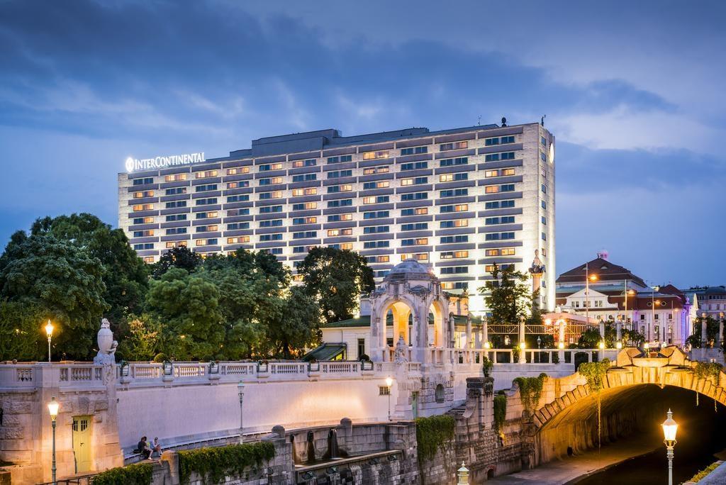 Vista do hotel Intercontinental Wien, ótima escolha onde fica em Viena.