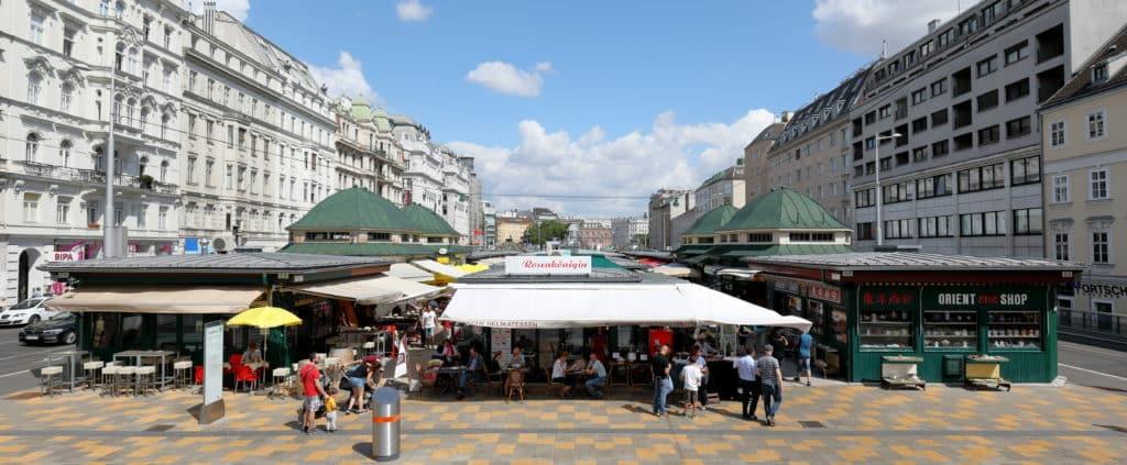Vista do mercado Naschmarkt