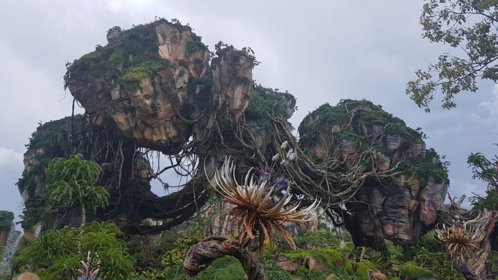 Detalhe das pedras flutuantes do filme Avatar no Pandora - Impressionante a perfeição!