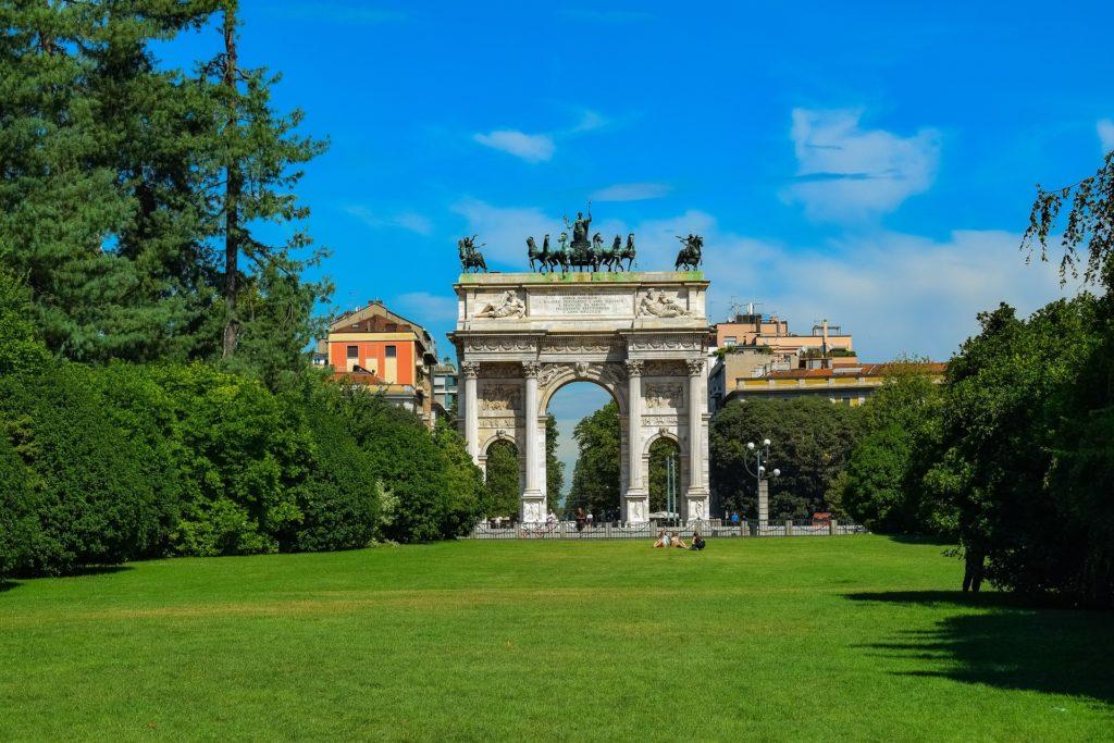 O Parco Sempione ou Arco da Paz, ideal para um passei ou piquenique