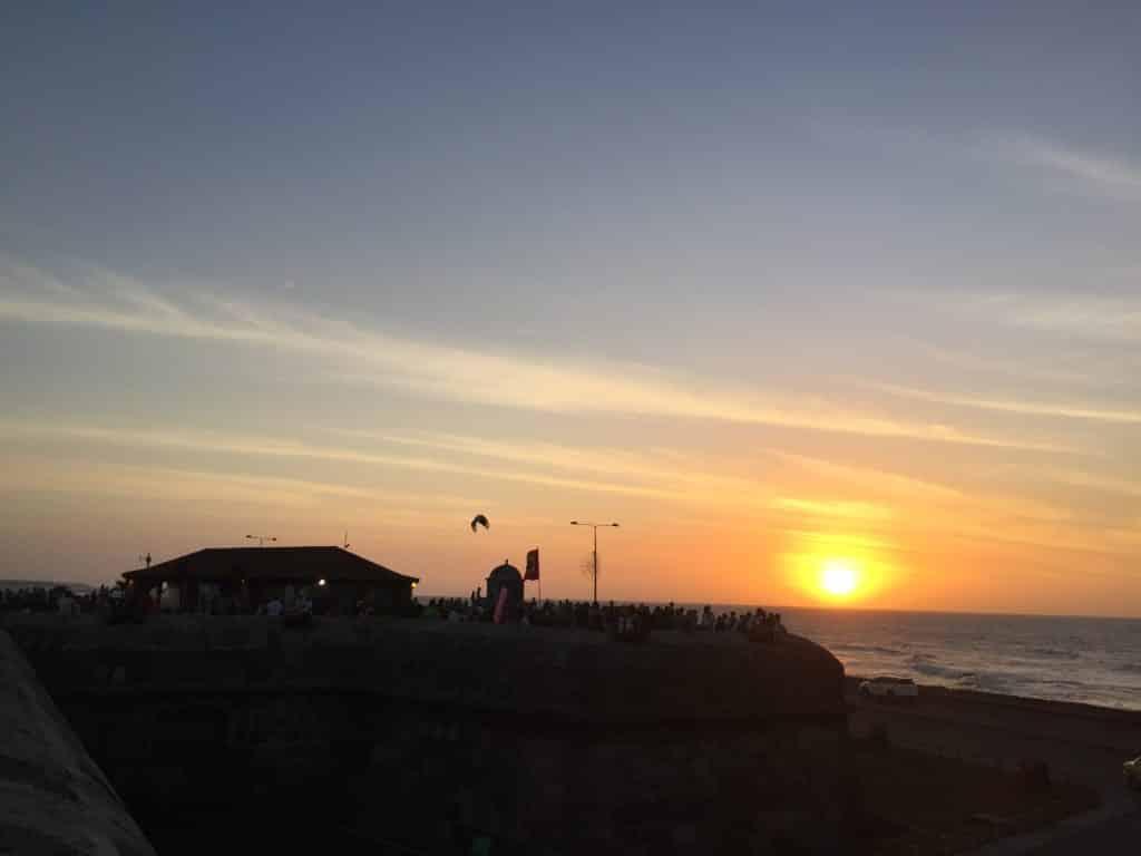 O por do sol no Café del Mar em Cartagena