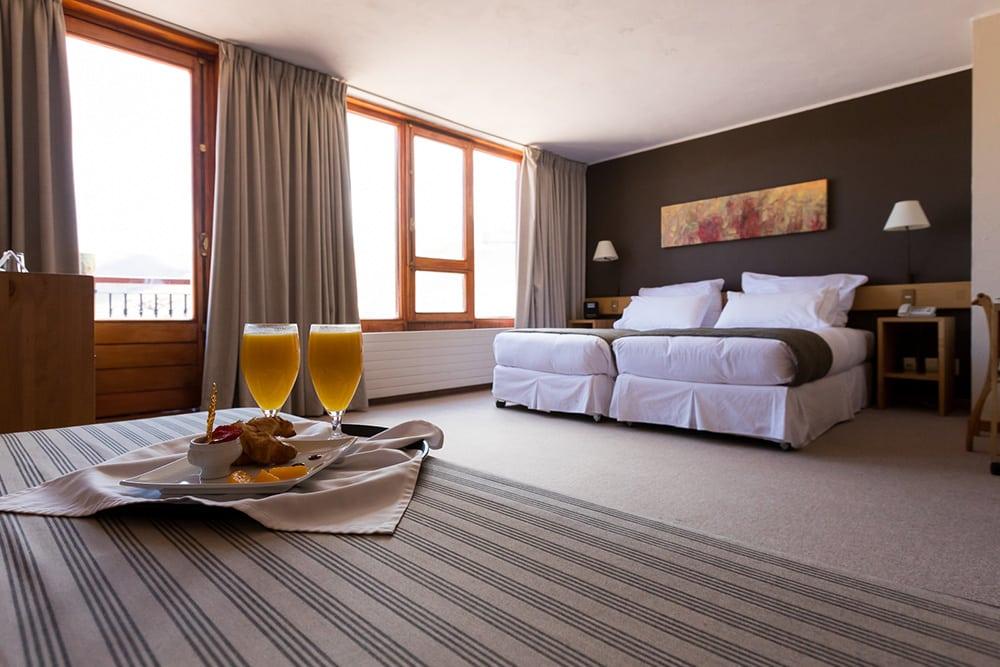 O quarto do Hotel Valle Nevado, opção cinco estrelas de onde ficar no Valle Nevado. Foto do site oficial Valle Nevado.