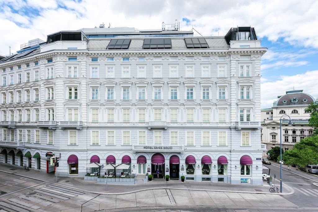 Fachada encantadora do Hotel Sans Souci Wien, uma das opções luxuosas de onde ficar em Viena.