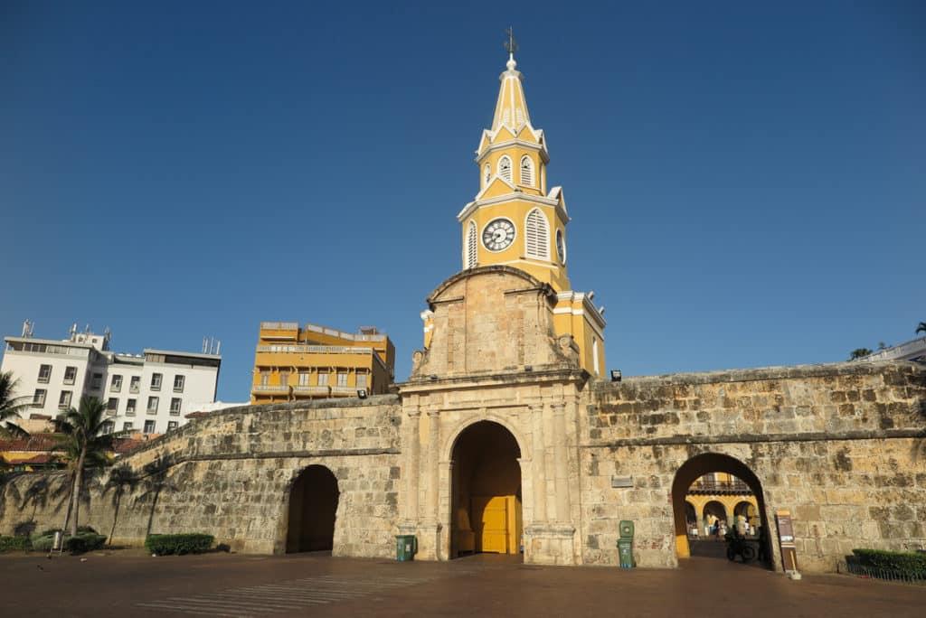 Porta e Torre do Relógio, atração turística de Cartagena Colombia