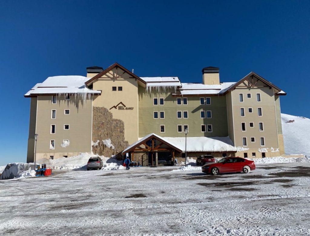 O condomínio Valle Bianco, no Valle Nevado, uma das opções para alugar hospedagem no local. Foto de Bruno Tavares