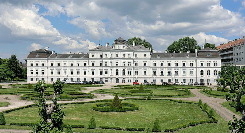 Vista de Viena pontos turisticos como o palácio Augarten