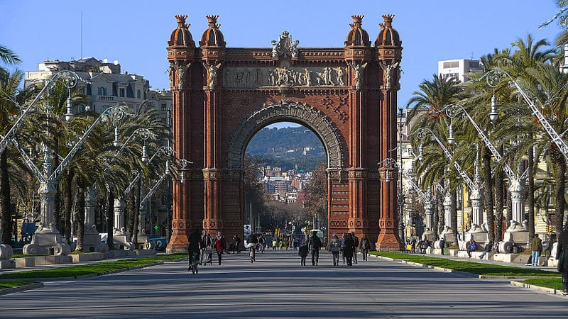 O Arc de Triomf no Bairro El Born - O bairro é mais calmo para se hospedar