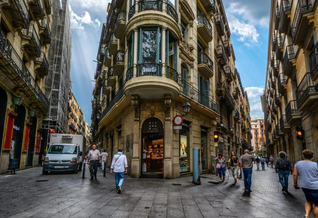 Ruas do Bairro Gótico em Barcelona