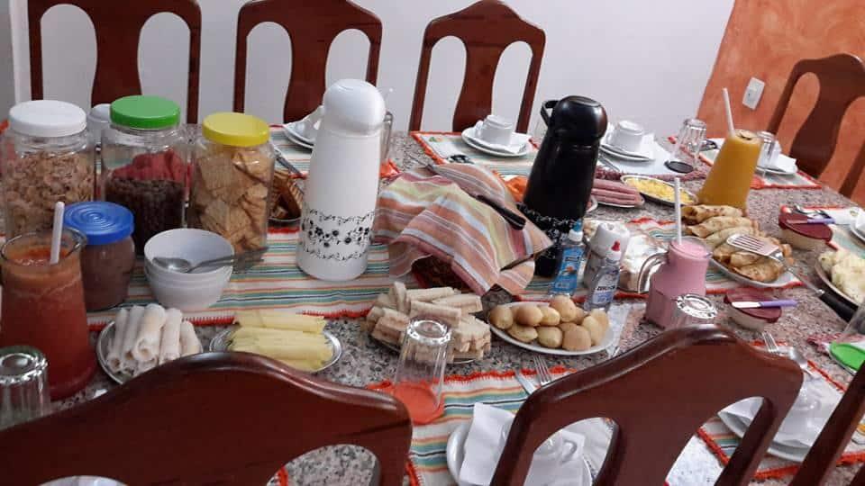 Pousadas em Fortaleza - café da Pousada LQ