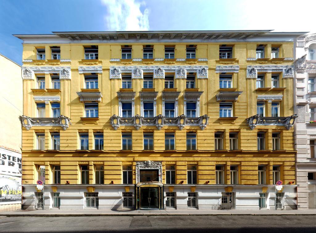 Fachada hotel Carlton Opera em Viena