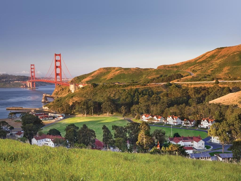 Vista da Golden Gate pelo prédio do Cavallo Point