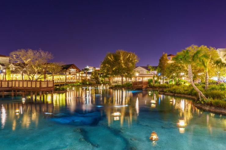 Disney springs em orlando a noite