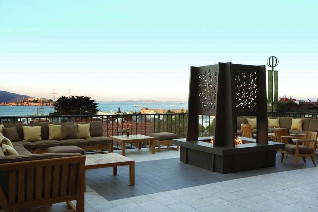 Terraço Fairmont San Francisco, com vista para a baía da cidade