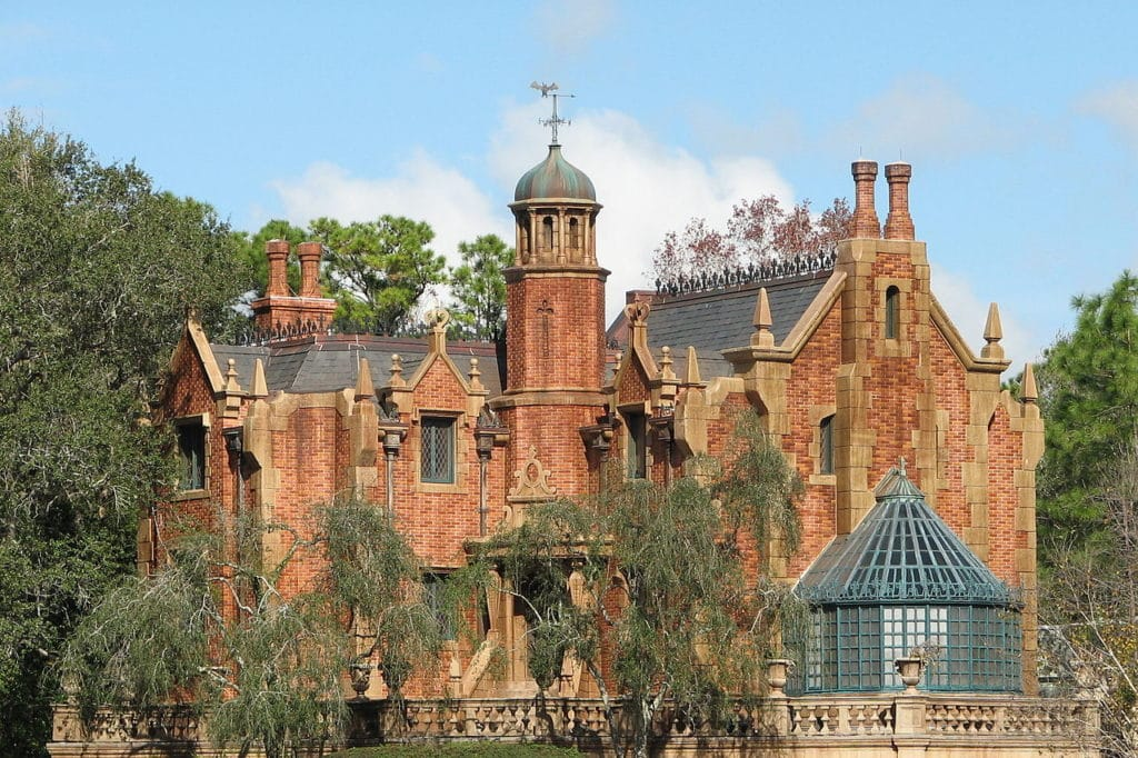Vista da Haunted Mansion no Disney Magic Kingdom