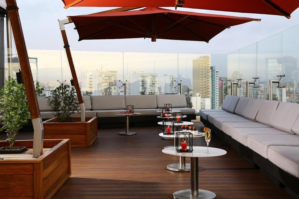 Vista no rooftop de um dos melhores hoteis de luxo em Lima, o Hilton