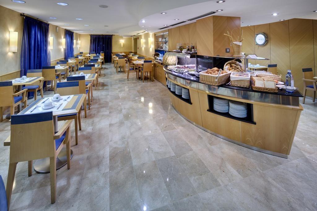 Café da manhã no Hotel del Mar em Barcelona
