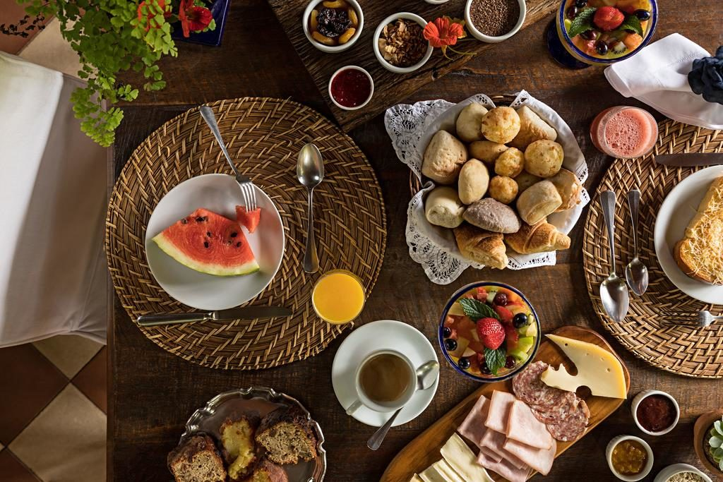 Café da manhã na Pousada Les Roches