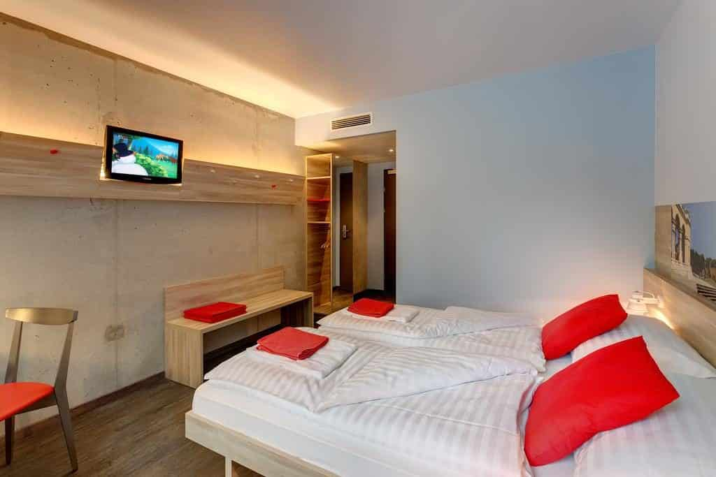Quarto com TV no Meininger Downtown