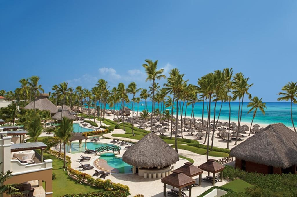 Now Larimar Punta Cana piscina