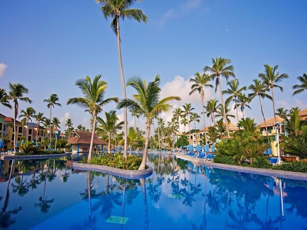 Ocean Blue & Sand Beach Resort Piscina