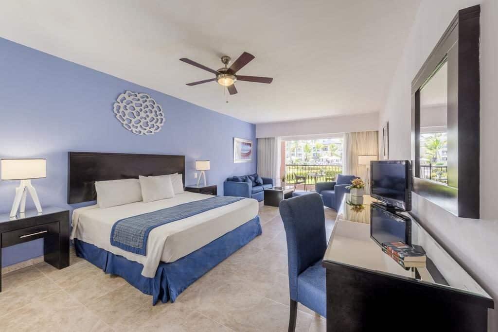 Ocean Blue & Sand Beach Resort quarto de casal com decoração azul