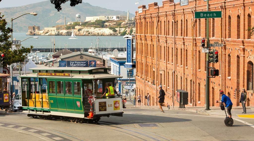 O Argonaut Hotel à direita, próximo ao Pier 39 na Fisherman's Wharf  - uma ótima indicação onde ficar em San Francisco