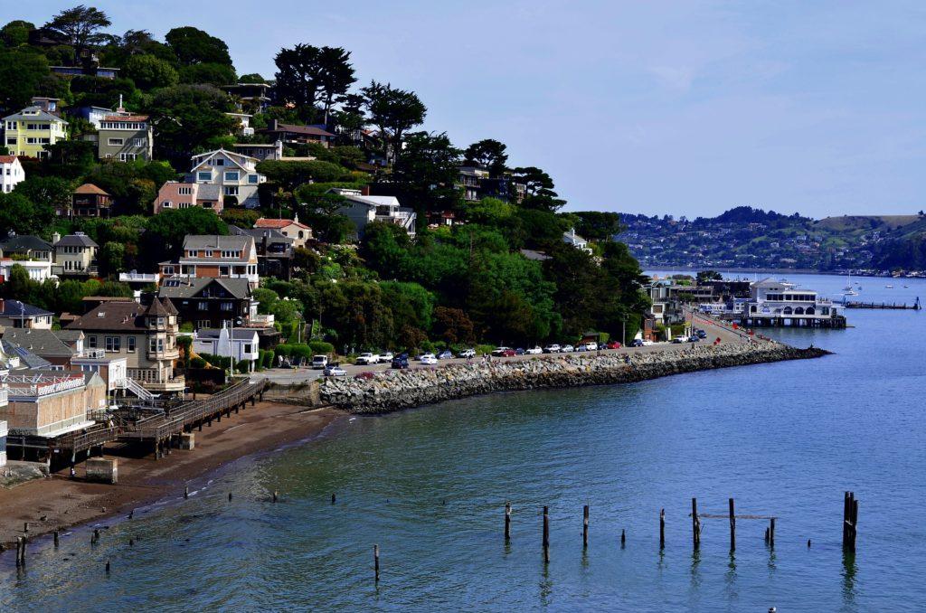 Vista da cidade de Sausalito, próxima a San Francisco, na Califórnia