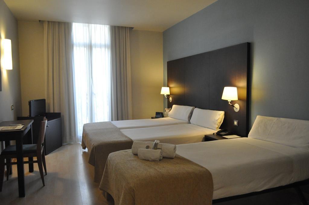 Quarto do Oriente Atiram Hotel