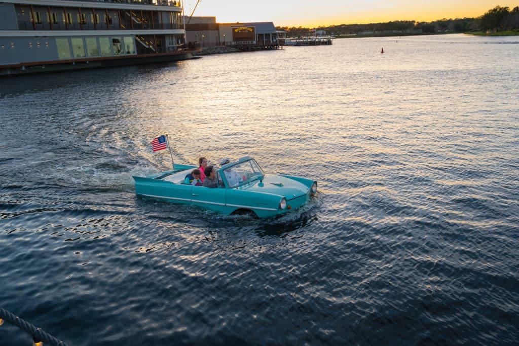 Quer diversão com a criançada? O Carro Anfíbio é super divertido - Foto: João Aroeira via Flicker