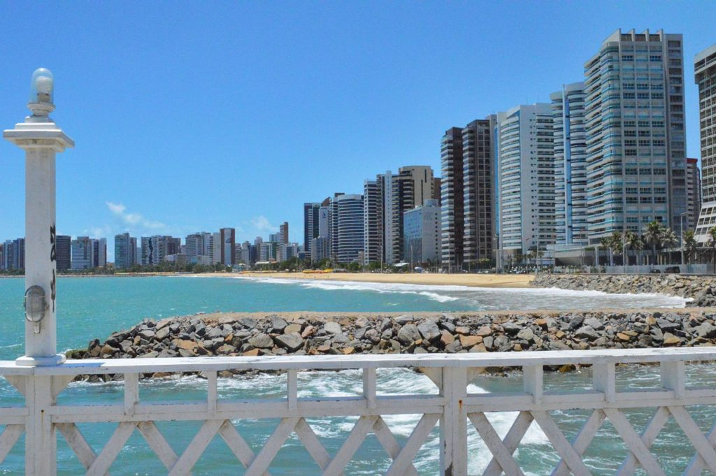 Vista da Praia de Iracema em Fortaleza, no Ceará - pousadas em fortaleza no ceara