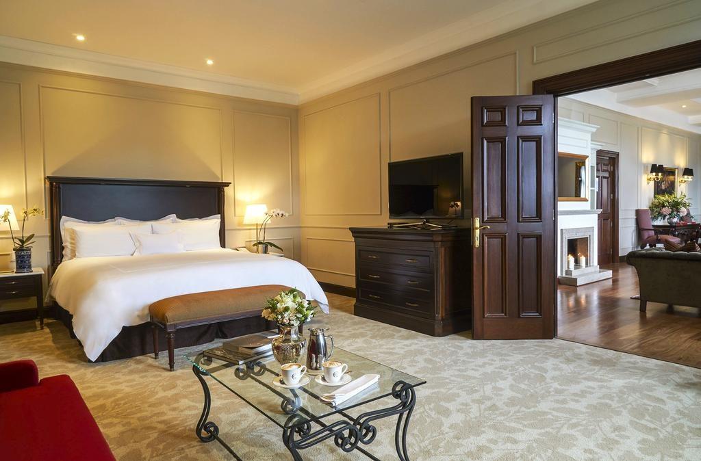 Foto da acomodação mais exclusiva do Country Club, um dos hoteis de luxo em Lima - a suíte Dom Perignon.
