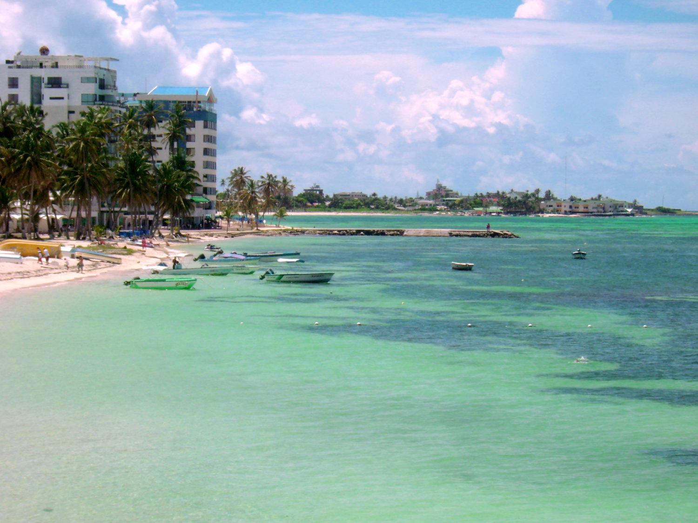 Ilha de mar límpido, com hotéis e pousadas onde ficar em San Andres.