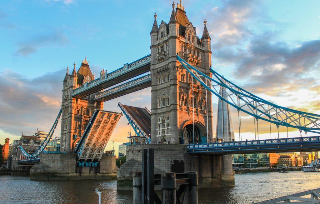 A icônica Tower Bridge em Londres