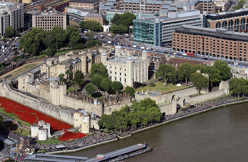 Tower of London - uma opção do que fazer em Londres no seu último dia - Foto: Hilarmont via Wikipedia