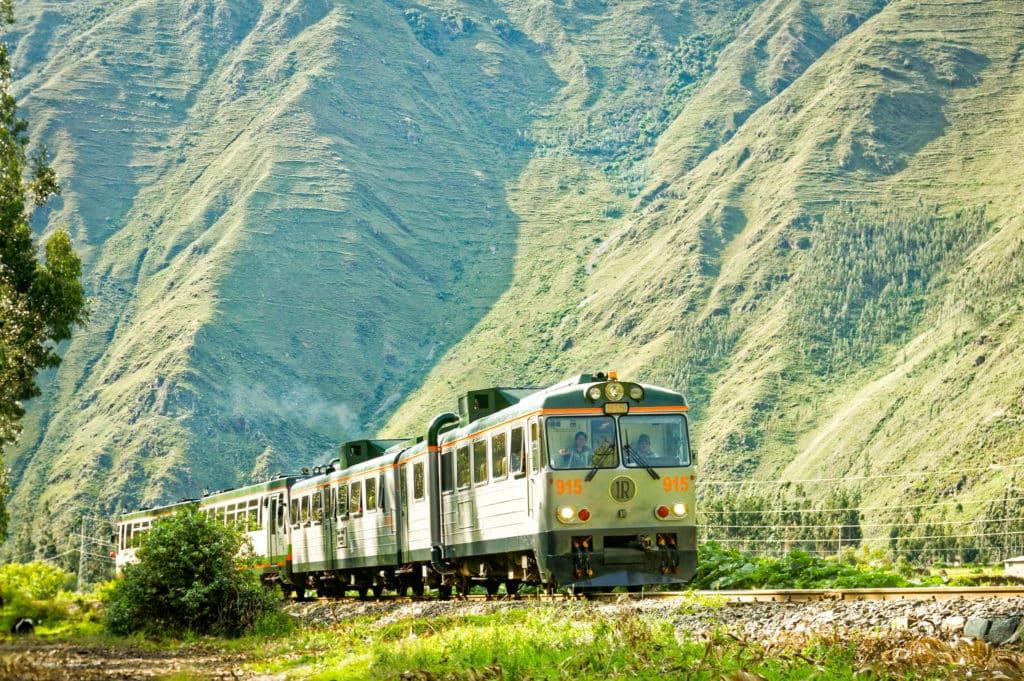 Trem da Inca Rail no caminho para Machu Picchu.