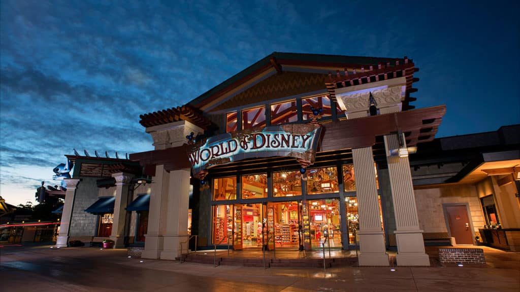 A loja World Disney com muitaaa coisa linda pra comprar!