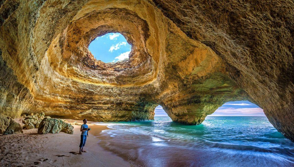 A linda região de Algarve em Portugal
